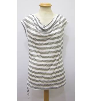 BNWT Evelin Brandt ladies' sleeveless top - Size: 8 - White