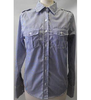 Jist size:M blue and white striped long sleeved shirt