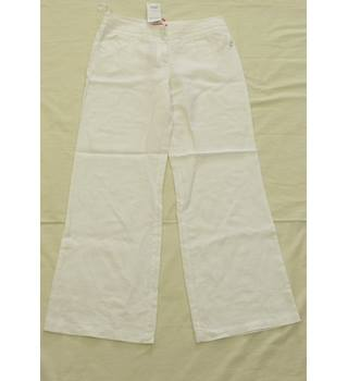 BNWT - Monsoon - Size 12 - White - Trousers