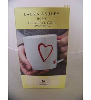 BNIB Laura Ashley Home 'Decorate your own mug kit' includes mug, ceramic paints, stencils, paint brushes, sponge, instructions