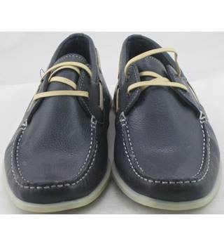 NWOT M&S Collection, size 6 navy leather boat shoes