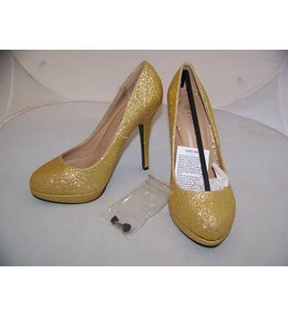 fmuk - Size: 5 - Gold - Heeled shoes
