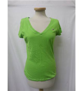 Hollister - Size: M - Lime green - V neck T-Shirt