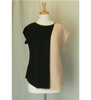 BNWT Oasis -Size M - black and nude short sleeved shirt