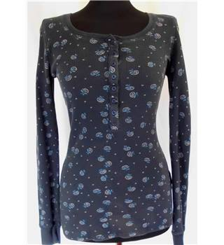 Jack Wills Size: 10 Blue with Floral Pattern Long Sleeved Top
