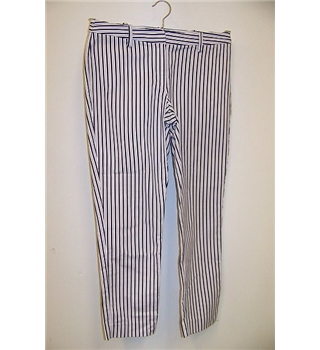 Pure Collection size: 10 blue white stripe cropped trousers
