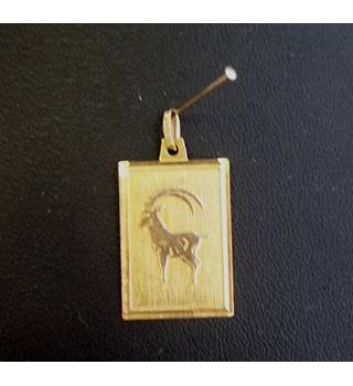 Gold 9 carat - Size: Medium - Aries - Pendant