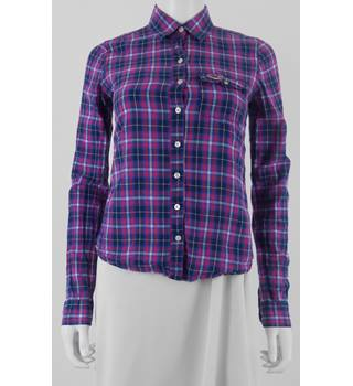 Hollister Size: XS Purple Checked Long Sleeved Shirt