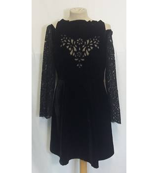 Monsoon Fusion black velvet/lace cold shoulder dress 10 BNWT Monsoon - Size: 10 - Black