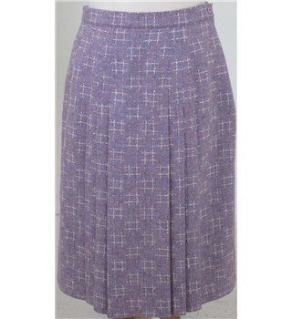 Murray Brothers size: 18 purple checked pleated skirt