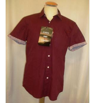 BNWT Casual Shirt Company for ASOS  Size M  Burgundy red short sleeved shirt