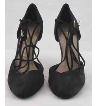 NWOT Autograph, size 3 black suede two-piece shoes with lace feature