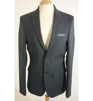 "M & S  Size: S, 36"" chest, slim fit Charcoal Grey Textured Pattern Smart/Stylish Wool Rich Single  Breasted Jacket."