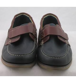 NWOT M&S Collection, size 10 navy & burgundy leather Velcro strap boat shoes
