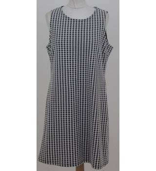BNWT: Next Size 14: Black & white check tunic dress
