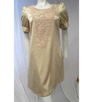 Fever London Gold Dress with floral pattern Size 10 Fever - Size: 10 - Beige