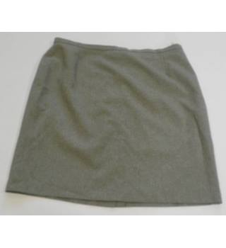 Dorothy Perkins size 18 grey skirt