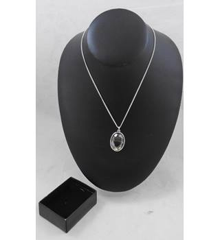 Avon Pendant Necklace