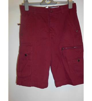 "MENS BNWT Charles Wilson red cargo shorts - 30"" waist Charles WIlson - Size: Small - Red - Cargo shorts"
