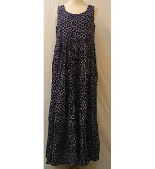 Monsoon Size M  Blue with White Pattern Dress
