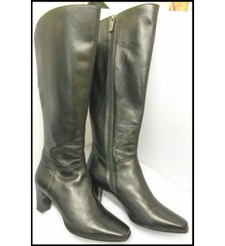 Hobbs - Size: 3.5 - Black - Boots