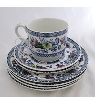Midwinter Cup & Plate Set