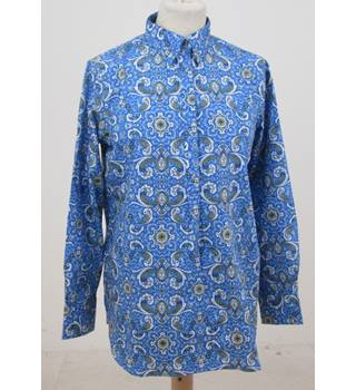 NWOT Land's End size: 8 blue paisley shirt