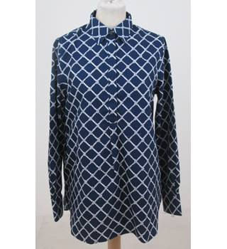 NWOT Land's End size: 10 navy blue rope pattern shirt