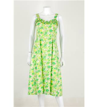Vintage 1980s Handmade Size 8 Citus Green Floral Day Dress With Frills