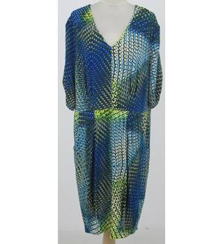 Trinny & Susannah: Size 22: Black & blue mix day dress