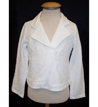 BNWT Idexe Size 5 - 6 Years  White lace covered jersey Biker Jacket