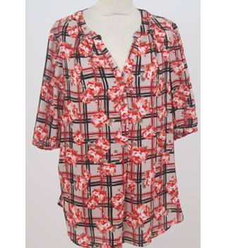 M&Co - Size: 16 - red, beige & black short sleeved blouse