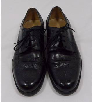 Clarks Brogues - Black - Size 8.5 Clarks - Size: 8.5 - Black - Brogue