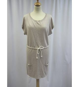 Ditsy - Size: 12 - Beige - Short Sleeved Tunic Top