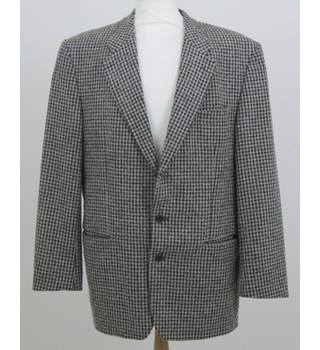 Van Kollem Size XXL Grey and Black Chequered Jacket