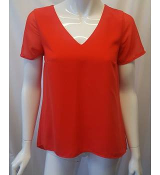 Oasis size 8  Red Dropped Hem Blouse