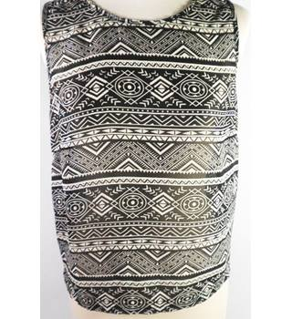 New Look size 10 ivory & black aztec patterned top