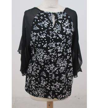NWOT M&S - Size: 14 - Black Flower Print - T-Shirt
