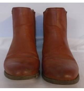 Atmosphere - Size: 7 - Brown - Boots