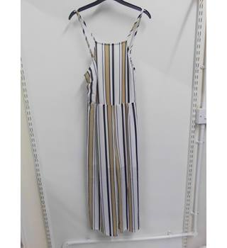 women's striped jumpsuit Unbranded - Size: L - Cream / ivory - Jumpsuit