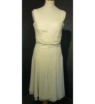 Karen Millen - Size: 10 - Cream / ivory - Knee length dress