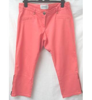 Two pairs of Internacionale - Size: 12 - Salmon pink and White - Cropped trousers