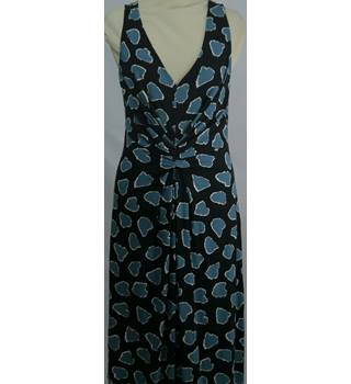 Hobbs - Size: 8 - Black with Blue Pattern Length Dress