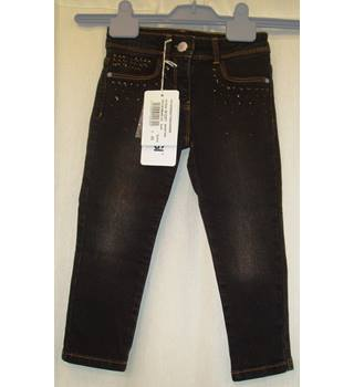 BNWT Primigi Age 4 S  Black prefaded Jeans with black on black stud detail on pockets