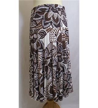 Soon size 10 brown and cream fern/floral pattern skirt