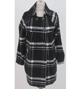 K.Zell - Size: M - Black and white check coat