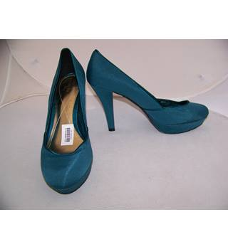 Monsoon, size 7/41 teel platform court shoes