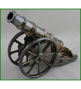 Vintage - Cannon - poker holder