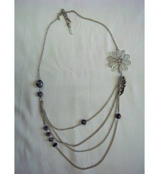 East - Size: Medium - Metallics - Multi Chain Necklace