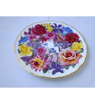 "Collectors Royal Albert ""Highland Bouquet"" Display Plate"